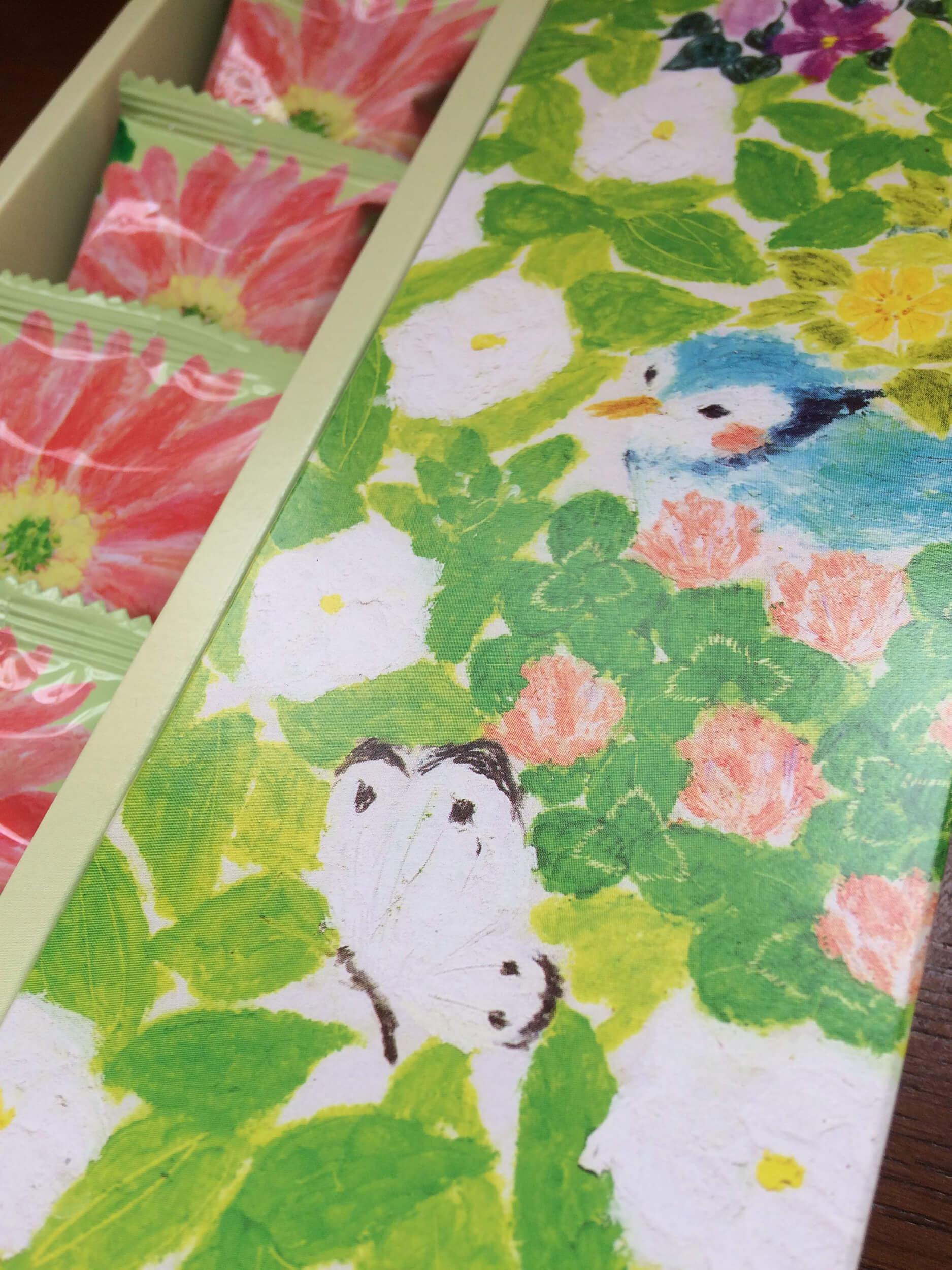 パッケージイラスト いわた2016年「箱 花畑と鳥、ちょうちょ」